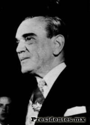 Adolfo Ruíz Cortines es Presidente