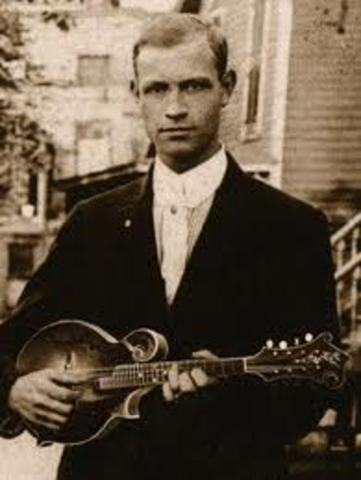 Lloyd Loar created the first electric pickup.