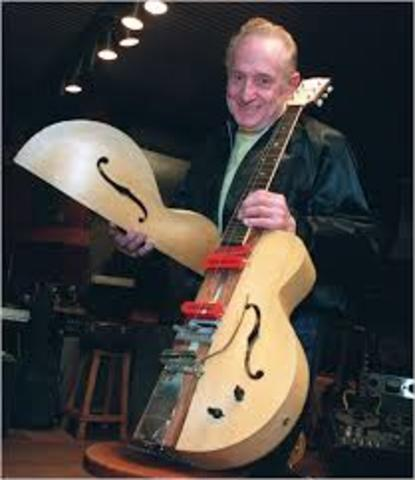 """Les Paul of Gibson made """"the log"""""""