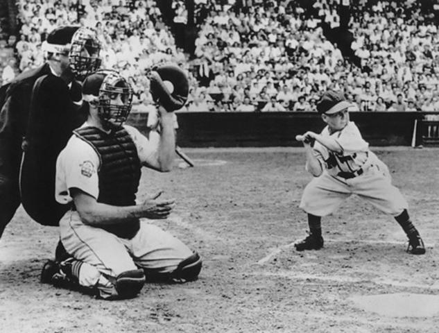 Shortest Player in MLB history