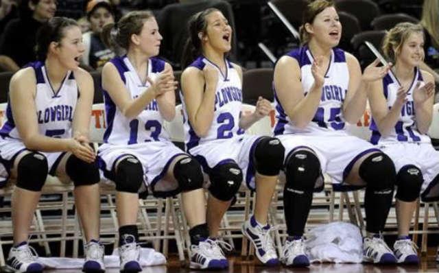 Yo jugé en el torneo de basquetbol en el estado y nosotros recivimos segundo lugar