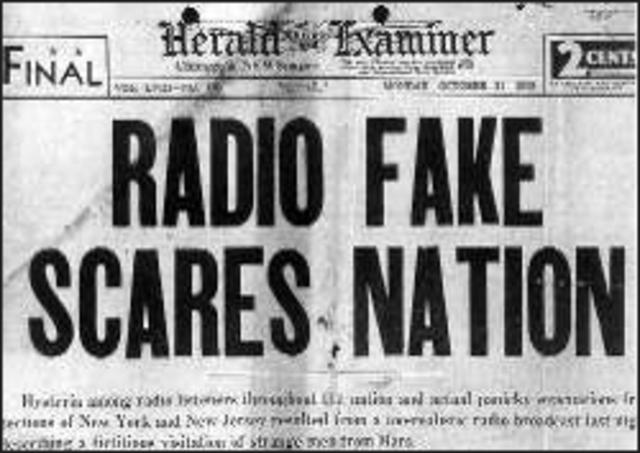 War of the Worlds Radio Broadcast causes panic