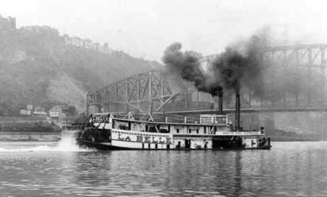Cook on Riverboat LaBelle