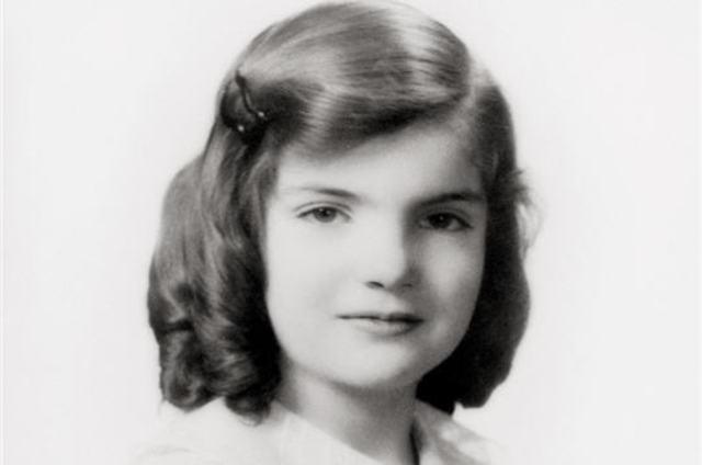 Jacqueline Lee Bouvier is born.