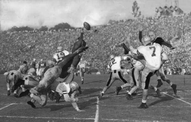 First Rose Bowl for college football