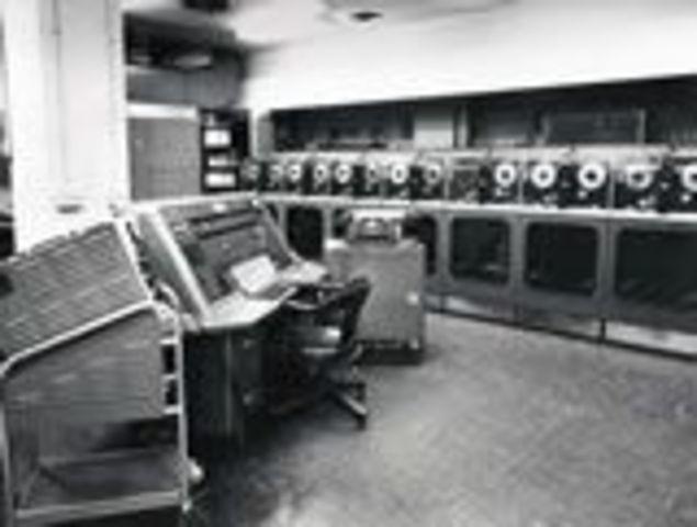 UNIVAC, la primera computadora comercial de Walter Brattain y William Shockley de Bell Labs