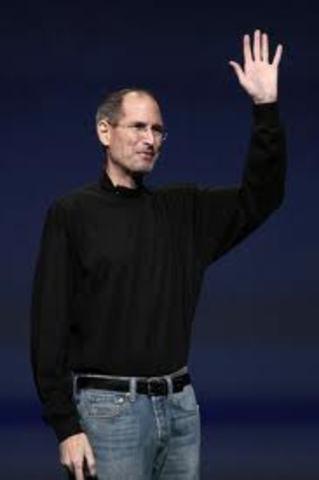 Steve Jobs resigns as CEO of Apple