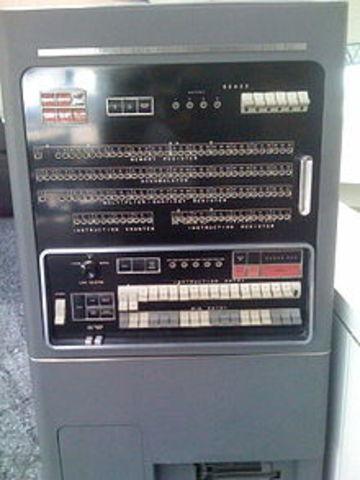 IBM 701, Primera Computadora Digital