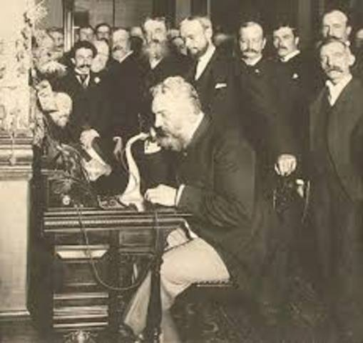 Primera llamada telefónica