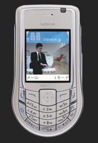 Primeros teléfononos móviles con 3G