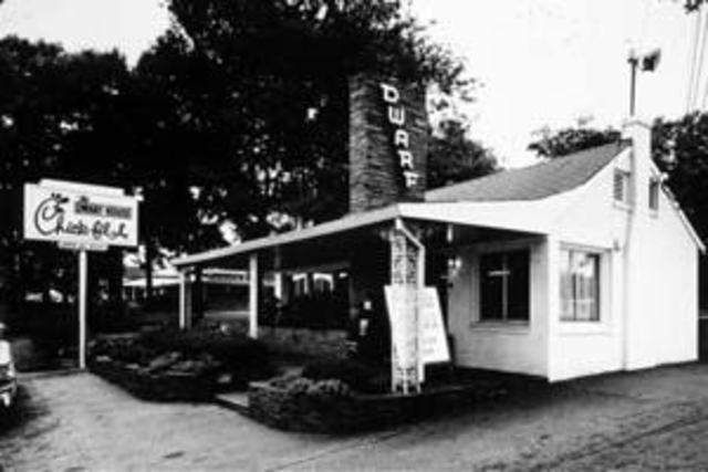 """Truett Cathy opens the """"Dwarf Grill"""" in Hapville, Atlanta"""