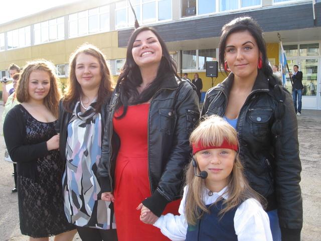 Вокальная группа старшеклассников