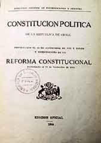 Se aprueba la segunda constitución.