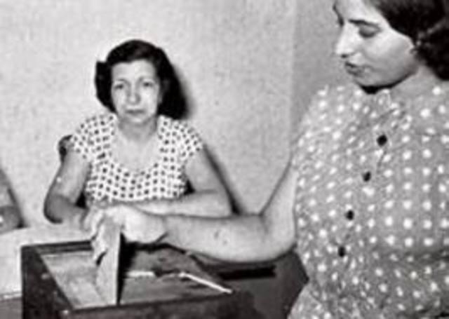 Se implementa el voto femenino