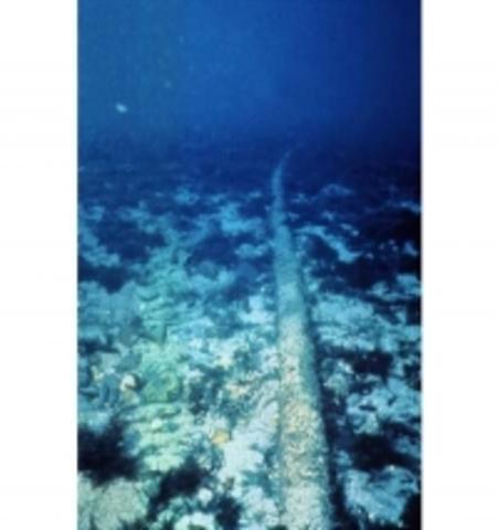 Finaliza el cable submarino de comunicaciones entre EEUU y EUROPA.