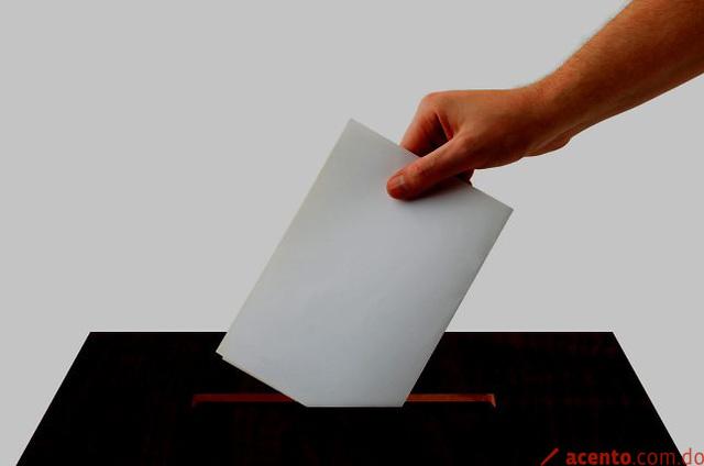 La prohibición de reelegir al Presidente de la República por dos períodos consecutivos
