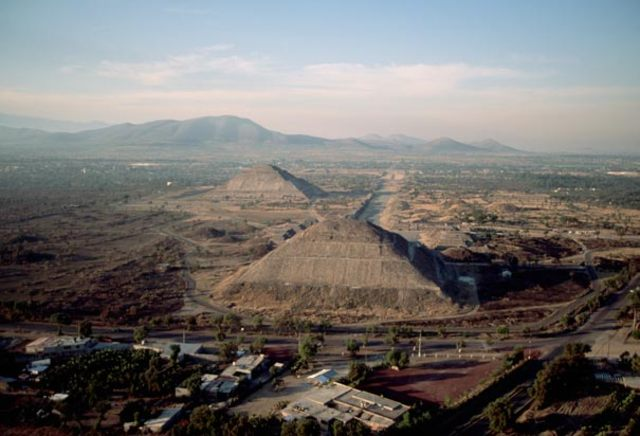 End of Classic period: Collapse of the Low land cities, Teotihuacan falls