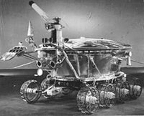 First robot lunar rover