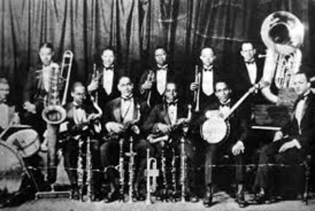 Fletcher Henderson's Orchestra inspires the rise of swing