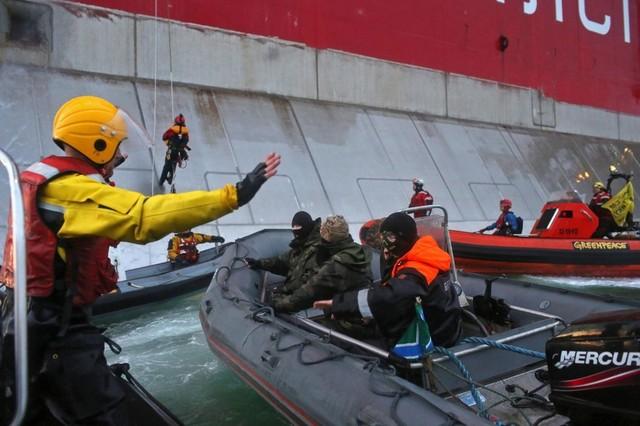 Detención de 30 activistas en el Mar de Pechora