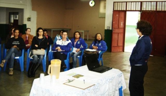 COLETIVO EDUCADOR DE CASCAVEL DESENVOLVE PALESTRA SOBRE PLANTAS MEDICINAIS
