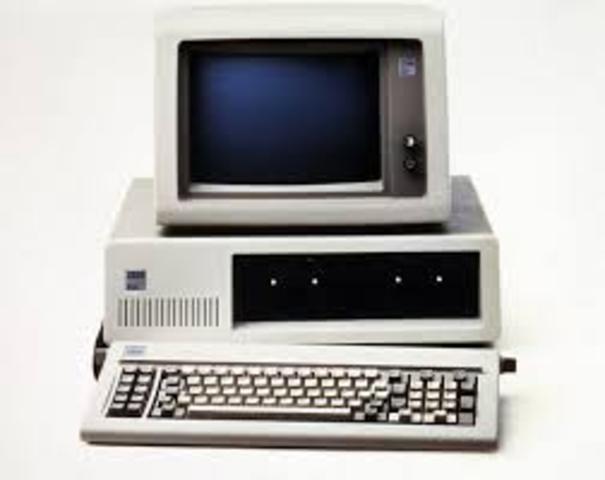 Primer ordenador personal- Quinta Generación. A partir de 1981