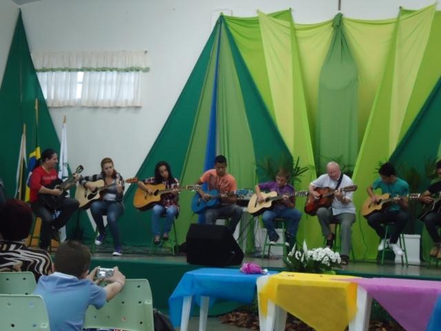 SANTA TEREZINHA DE ITAIPU RECEBE O ÚLTIMO ENCONTRO DE FORMAÇÃO DE EDUCADORES AMBIENTAIS DE 2012