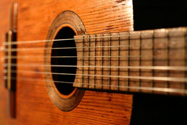 Napoles, Primera guitarra Clásica