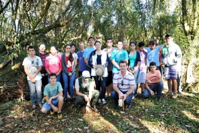 VERA CRUZ RETOMA ATIVIDADES DO PROJETO MONITORAMENTO PARTICIPATIVO DA QUALIDADE DA ÁGUA DE RIOS