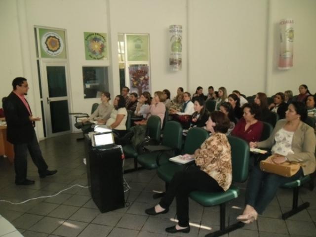 PROFESSORES DE CLASSES ESPECIAIS DE FOZ DO IGUAÇU SÃO CAPACITADOS EM EDUCAÇÃO AMBIENTAL