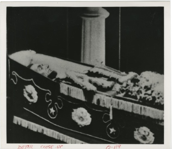 Abraham Lincoln dies