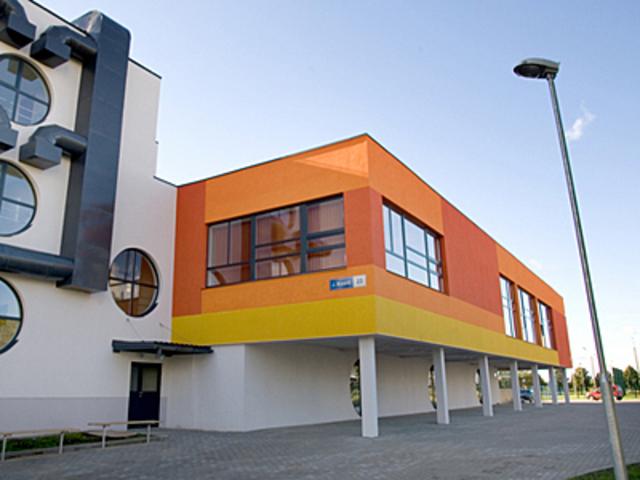 Lasnamäe vene Gümnaasiumi renoveeritud hoone