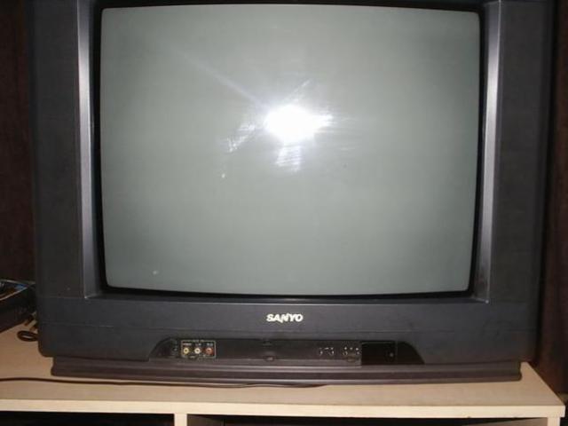 Televisión salón Madre Cris