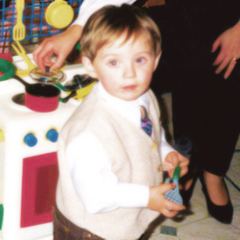 Niall James Horan was born
