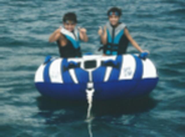 Tiago - Passeio de barco