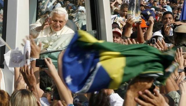 Chegada de Bento XVI ao Brasil
