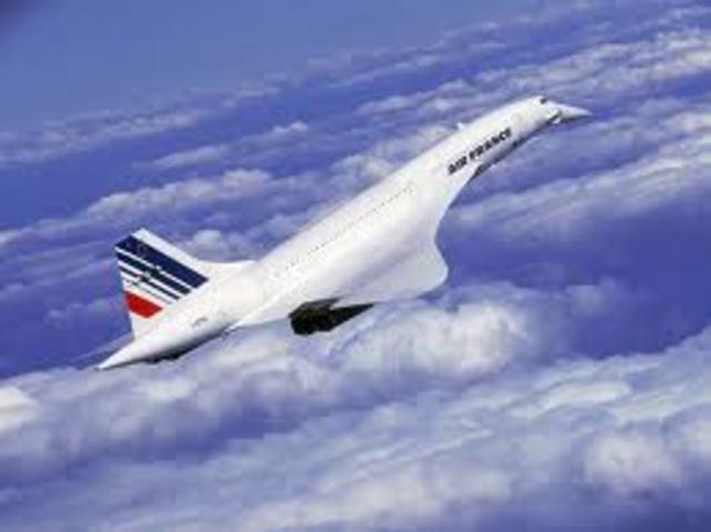 Avião Concorde da Air France cai