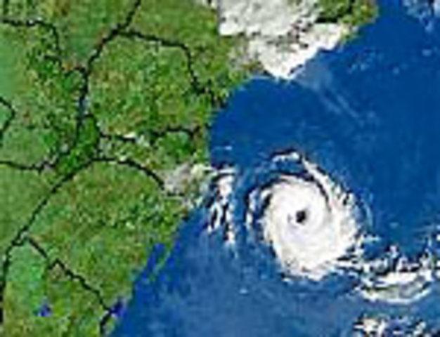 Furacão se forma no Oceano Atlanico