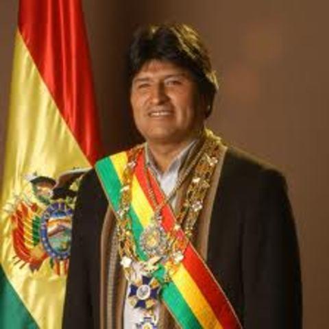 Evo Morales é eleito Presidente da Bolívia