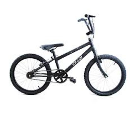 Léo ganhou a primeira bicicleta