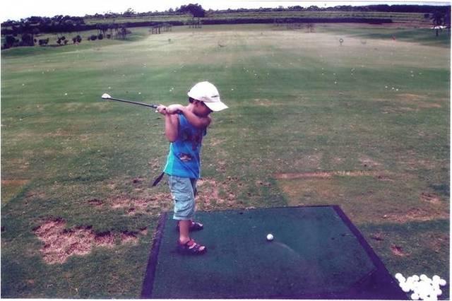 Alexandro - Aprendendo a jogar golfe