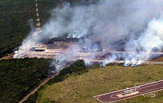 Base de lançamento VLS explode