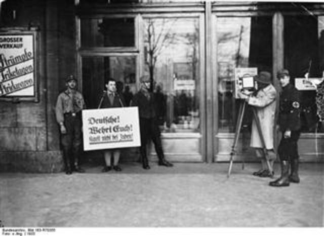 Boyottaktionen gegen Juden begannen