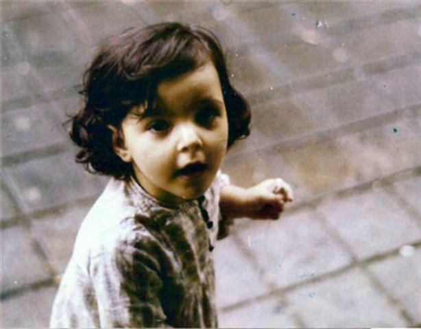 Nasce ,no Porto, Álvaro Magalhães