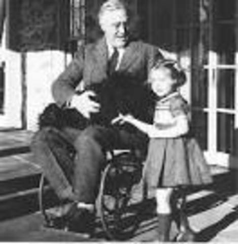 Franklin D. Roosevelt contracts Polio