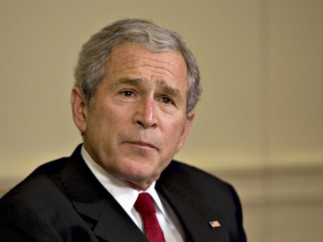 Em eleição disputada, Bush é reeleito nos EUA
