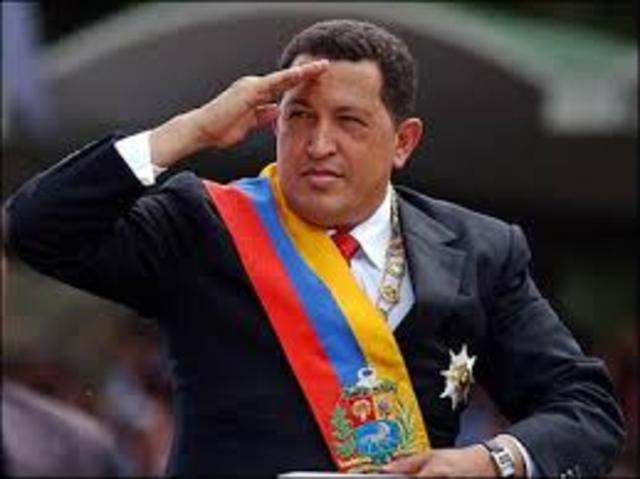 Hugo Chavez Vence Eleições para Presidência