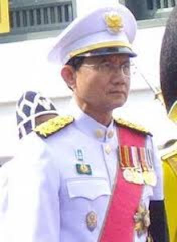 Justiça Tailandesa Afasta o Primeiro Ministro