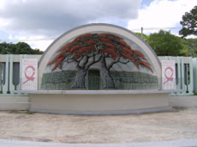 Plaza pública y reseña del nombre