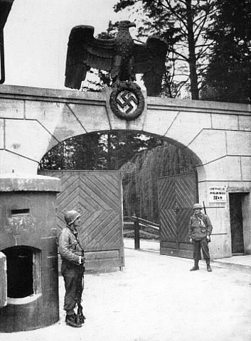 Abertura do campo de concentração de Dachau